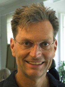 Dr. John Hartung, Mitglied des Kuratoriums