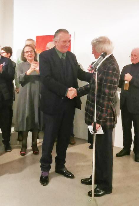 Folker Skulima verleiht den Preis an Jakob Mattner, 2019